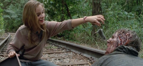 Lizzie-fed-the-rats-on-the-Walking-Dead